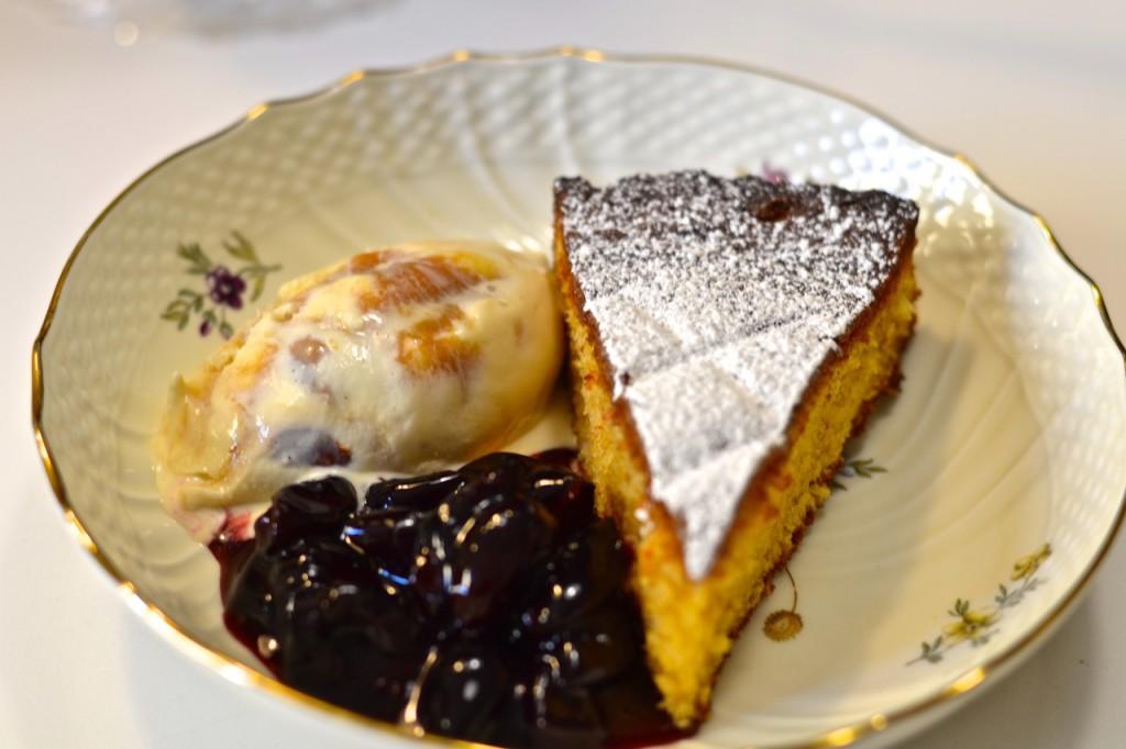 Compota de cerezas y pound cake