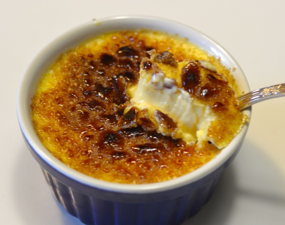 Crema catalana con chocolate blanco