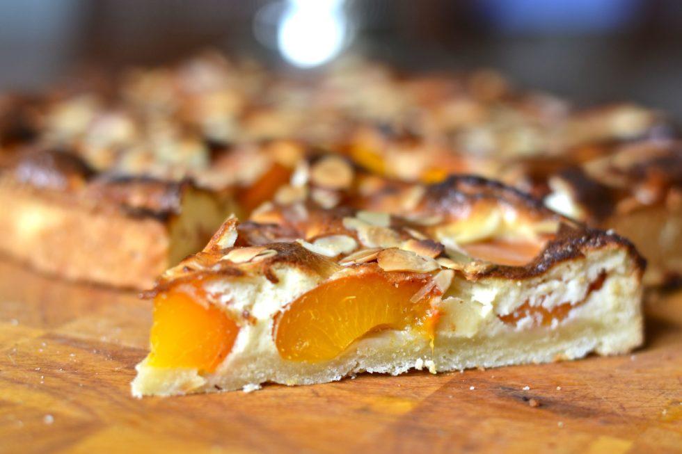 Tarta de albaricoque y almendra