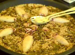 Arroz con calamares y pimiento