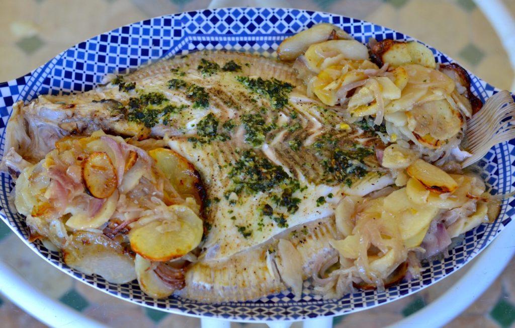 Rodaballo al horno con patatas