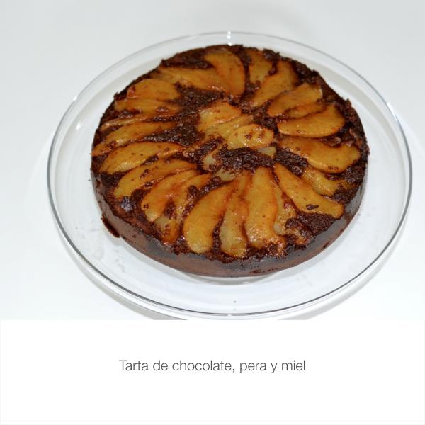 Tarta de chocolate, pera y miel